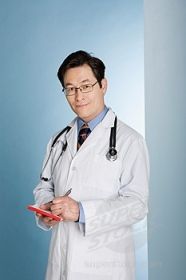 asian-doctor